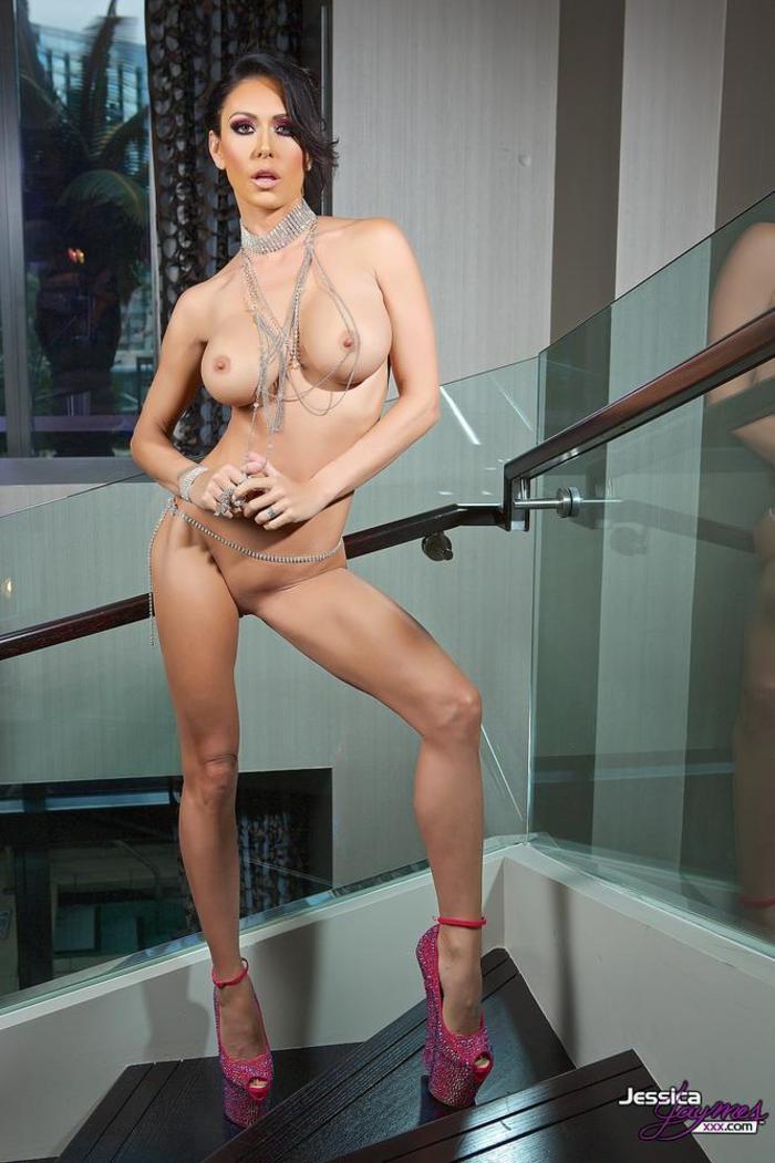 porno-aktrisi-dzhessika-dzheyms